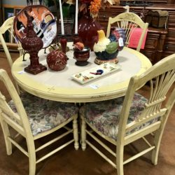 Country Style Dining Set with 4 Chairs