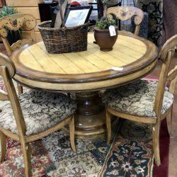 Round Pedestal Table & 4 Chairs with Chicken Design