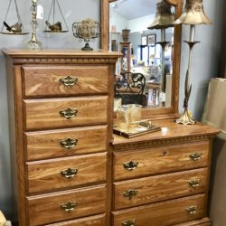 Oak Gentleman's Chest with Mirror