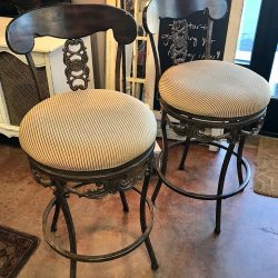 Set of 2 Swivel Counter Stools